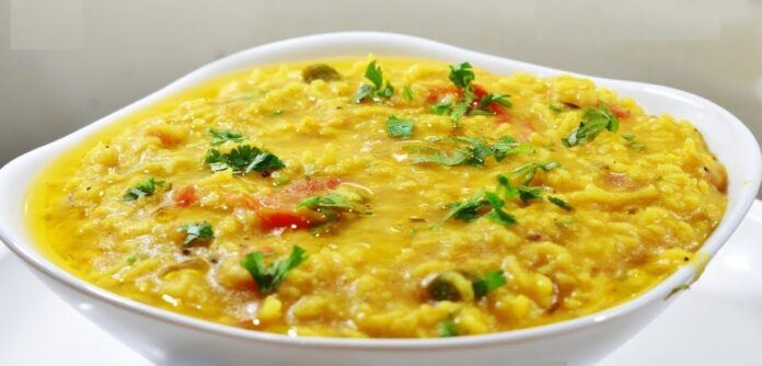 Khichri and egg fry on rainy days - the eternal trademark of Bengalis