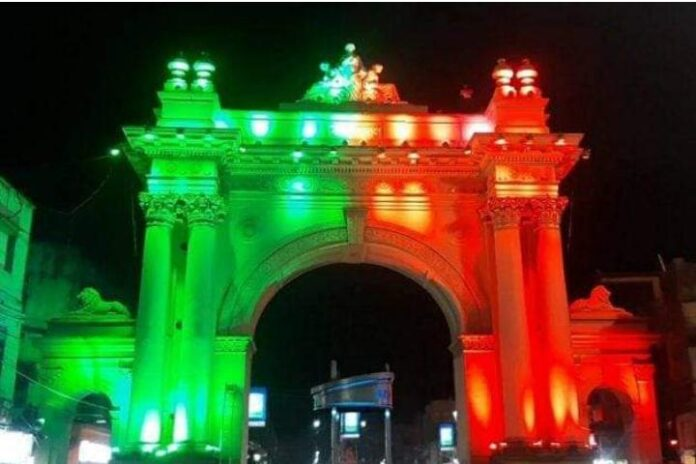 Joy Mohun Bagan, the color of Curzon Gate in Burdwan is now green