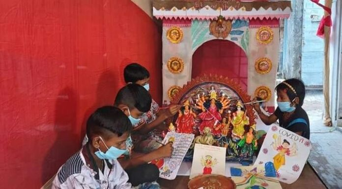 children came to the city from the distant Sundarbans to make idols