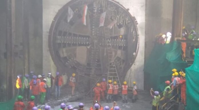 East-West-metro-one-way-tunnel -boring-machine-'URBI'