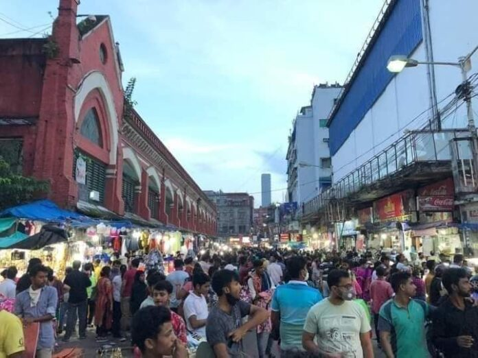 In the face of Pujo, corona is on the rise in the city