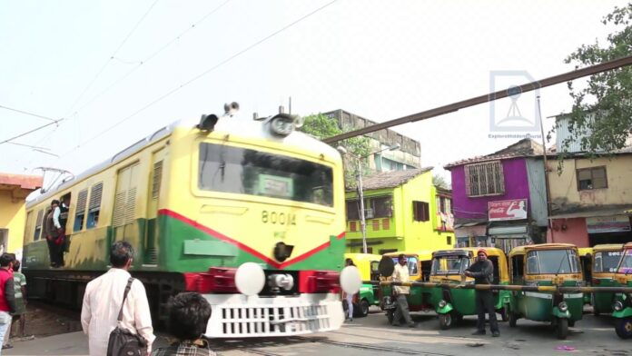 Left-Congress in favor of running local trains