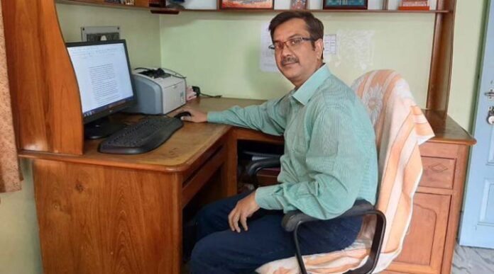 The professor of Krishnanagar Govt College is now the best scientist in the world