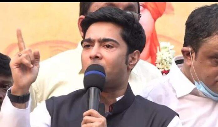 abhishek banerjee asks why no statue of vivekananda and netaji in kolkata