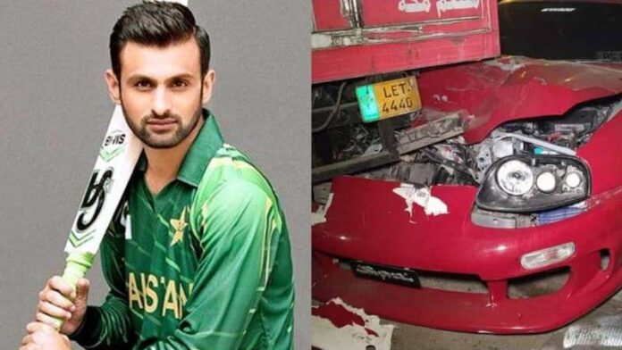Shoaib Malik's car in accident