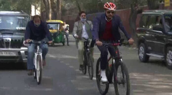 Sonia Gandhi's Son-in-law On The Road With A Bicycle